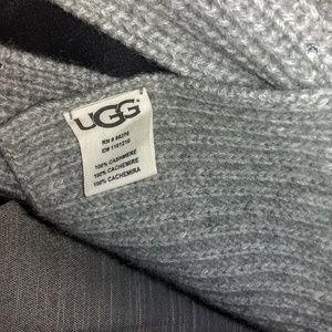 UGG Accessories - UGG 100% CASHMERE SCARF